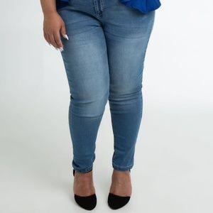 Denim - Medium Wash Skinny Jeans